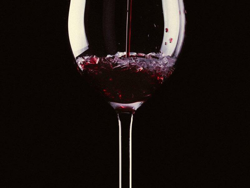 ¿Es bueno beber un vaso de vino al día? ¿Es perjudicial?